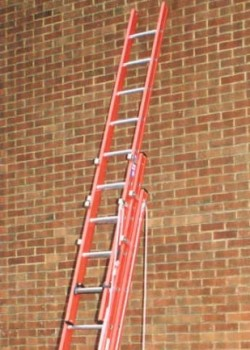 Aluglas Glass Fibre Ladders-Three Section Rope Operated