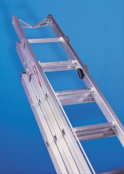 Aluminium Telecommunication Ladder-Three Section Validated to EN131-2