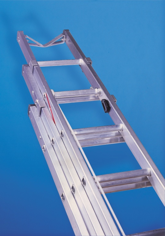 3 Section Ladder : Aluminium telecommunication ladder three section to en