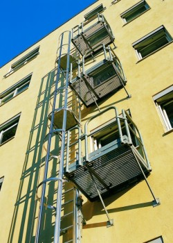 Aluminium Fixed Access Ladders