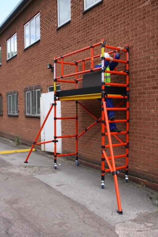Working On Scaffolding : Folscaf fibreglass scaffold tower working platform