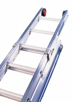 Heavy Duty Aluminium Rope Operated Extension Ladder-Two Section to BS2037 Class 1