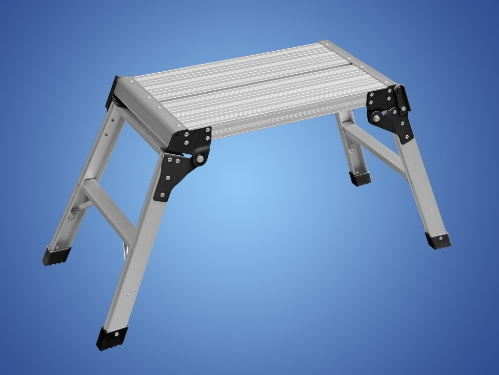 Folding Step Ladder With Platform
