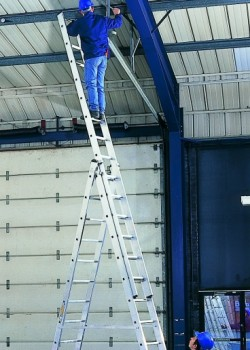 "Professional ""Skymaster"" Combination Ladders to EN131"