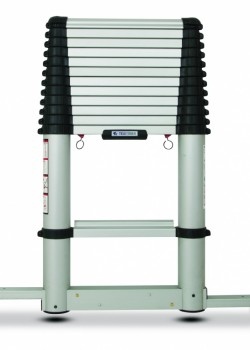 Lyte Up Telescopic Ladder with Stabiliser to EN131-6