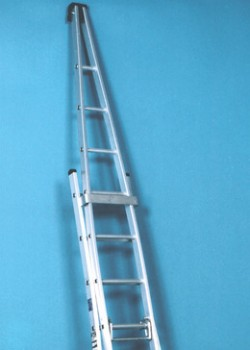 how to put up a roof ladder