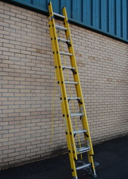 Superglas Glass Fibre Double Extension Ladder to EN131
