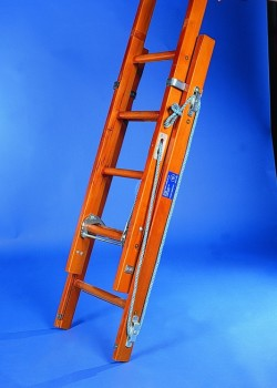 Industrial Timber Ladder with Hardwood Rungs-Three Section Rope Operated to BS1129 Class 1:1990