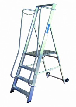 Widestep Stepladder to BS2037 Class 1