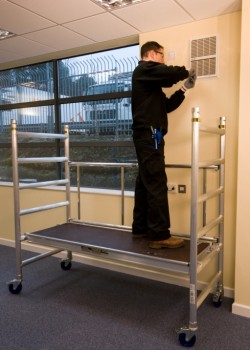 MiniMax Folding Tower & Work Platforms to HD1004 Class 3